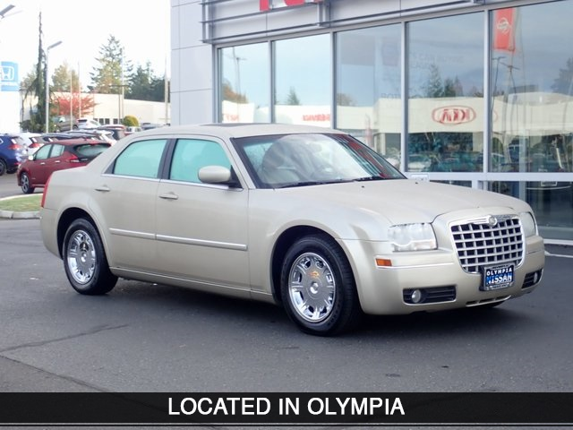 Pre-Owned 2006 Chrysler 300 Touring
