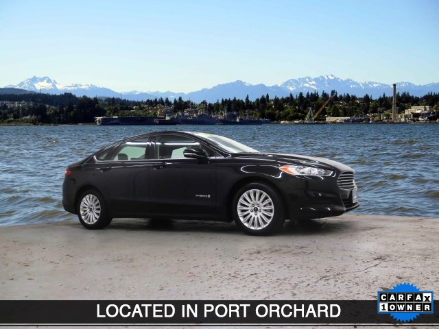 Pre-Owned 2016 Ford Fusion Hybrid SE