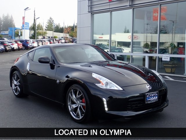 Pre-Owned 2017 Nissan 370Z Sport